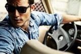 Опытный инструктор по вождению